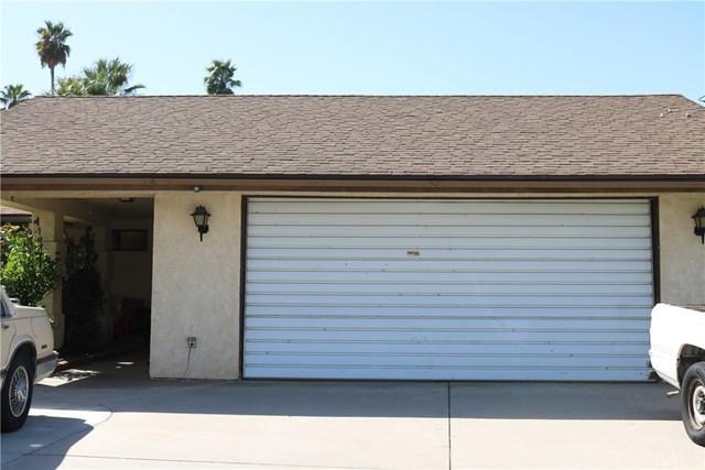 25675 Date Street, San Bernardino, CA 92404 (#CV18230126) :: Impact Real Estate