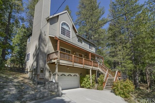 647 Grass Valley Road, Lake Arrowhead, CA 92382 (#EV18230145) :: Team Tami