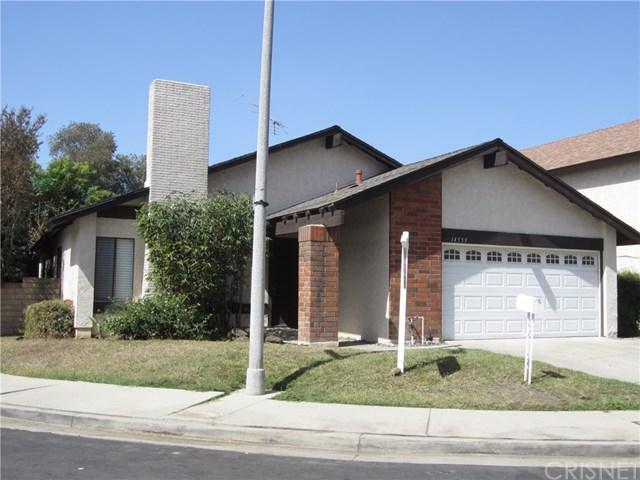 14959 Index Street, Mission Hills (San Fernando), CA 91345 (#SR18230183) :: Barnett Renderos