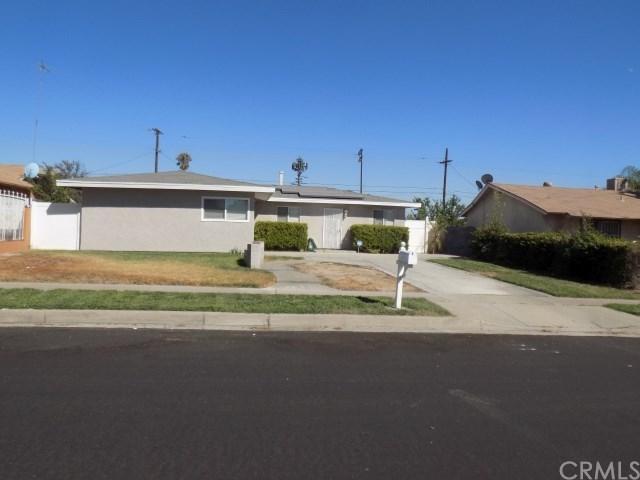 2395 San Anselmo Avenue, San Bernardino, CA 92407 (#SW18230293) :: Impact Real Estate