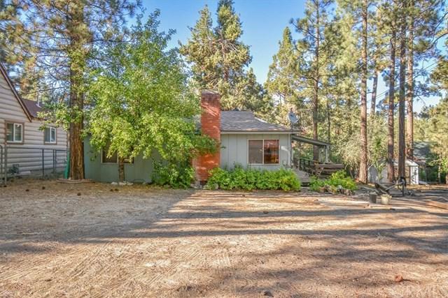 313 E Mojave Boulevard, Big Bear, CA 92314 (#EV18230392) :: Barnett Renderos