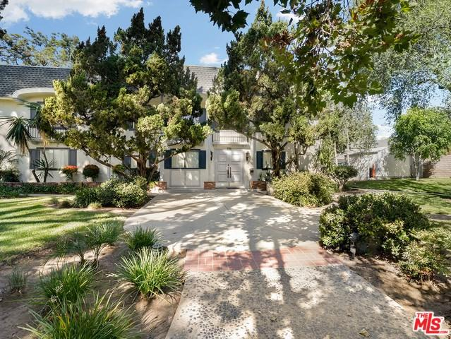 10209 Lurline Avenue C, Chatsworth, CA 91311 (#18388552) :: RE/MAX Empire Properties