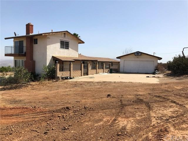 1421 Hidden Springs Drive, Corona, CA 92881 (#IG18230365) :: Impact Real Estate