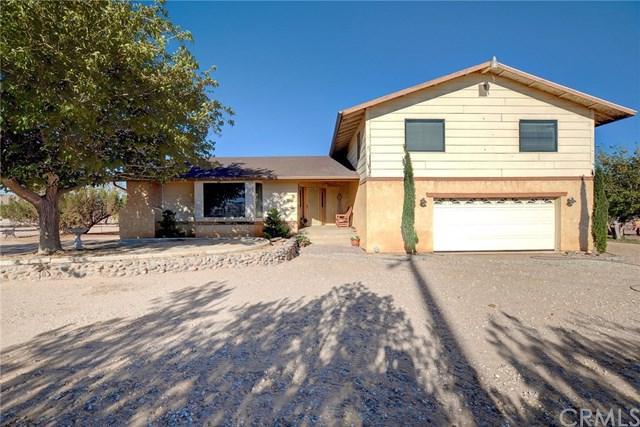 8265 Escondido Avenue, Oak Hills, CA 92344 (#CV18230179) :: RE/MAX Empire Properties