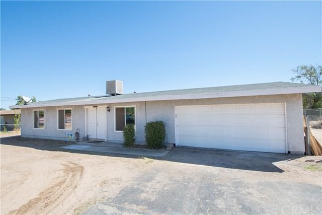 10659 Hemlock Avenue, Hesperia, CA 92345 (#CV18230462) :: Barnett Renderos