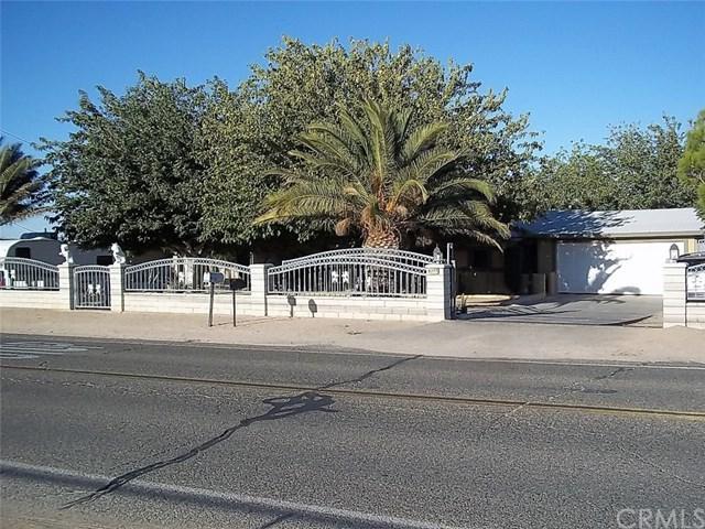 8277 Peach Avenue, Hesperia, CA 92345 (#RS18230541) :: RE/MAX Empire Properties