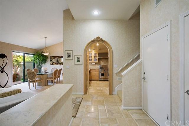 23 Santa Rosa Court, Manhattan Beach, CA 90266 (#PW18229371) :: Naylor Properties