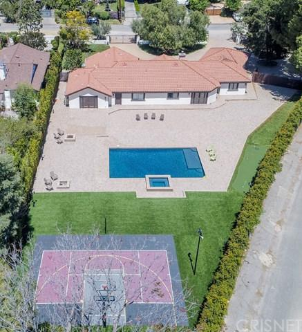 23030 Collins Street, Woodland Hills, CA 91367 (#SR18229742) :: RE/MAX Innovations -The Wilson Group