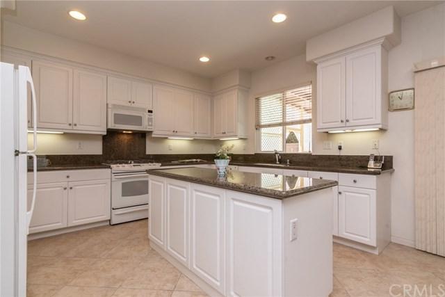 37447 Hydrus Place, Murrieta, CA 92563 (#SW18229082) :: Barnett Renderos
