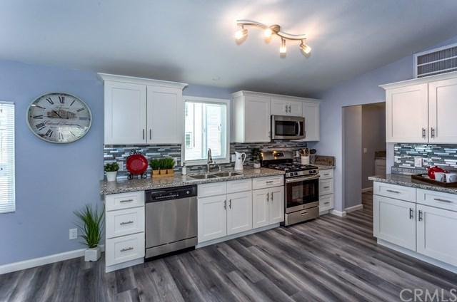 12333 Redwood Road, Pinon Hills, CA 92372 (#PW18230889) :: Impact Real Estate