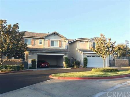 9535 San Bernardino Road, Rancho Cucamonga, CA 91730 (#WS18230977) :: Angelique Koster