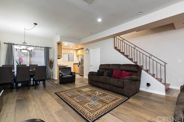 7223 Baird Avenue #105, Reseda, CA 91335 (#SR18231026) :: RE/MAX Innovations -The Wilson Group