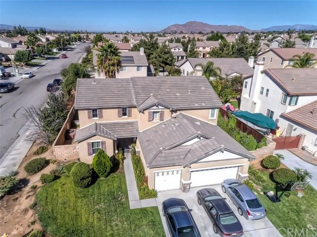 12685 Barbazon Drive, Moreno Valley, CA 92555 (#EV18221040) :: Team Tami