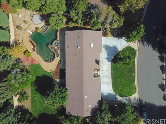 9407 Beckford Avenue, Northridge, CA 91324 (#SR18231672) :: The Laffins Real Estate Team