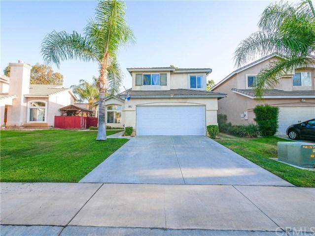 966 Harbor Street, Corona, CA 92882 (#OC18231051) :: Barnett Renderos