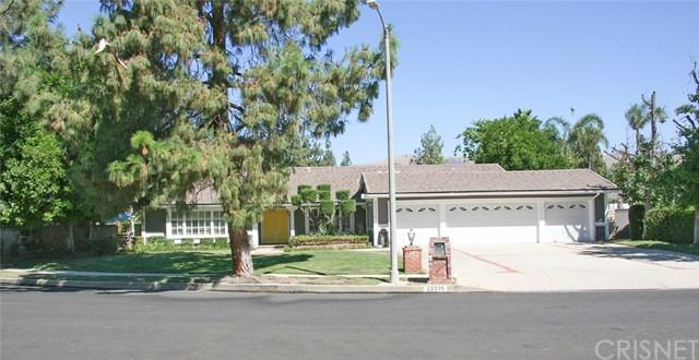 22335 Mayall Street, Chatsworth, CA 91311 (#SR18232323) :: The Laffins Real Estate Team
