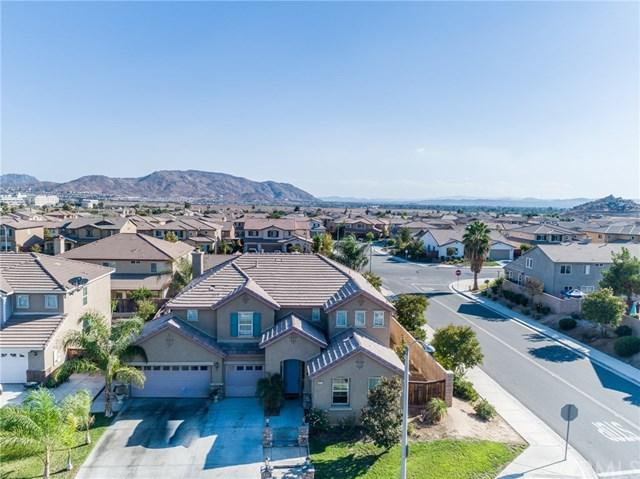 26419 Field Street, Moreno Valley, CA 92555 (#IV18232695) :: RE/MAX Innovations -The Wilson Group