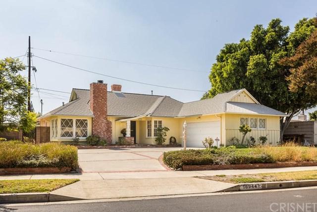 16944 Calahan Street, Northridge, CA 91343 (#SR18233363) :: The Laffins Real Estate Team
