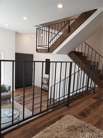 400 W Riverside Drive #18, Burbank, CA 91506 (#BB18233343) :: Mainstreet Realtors®