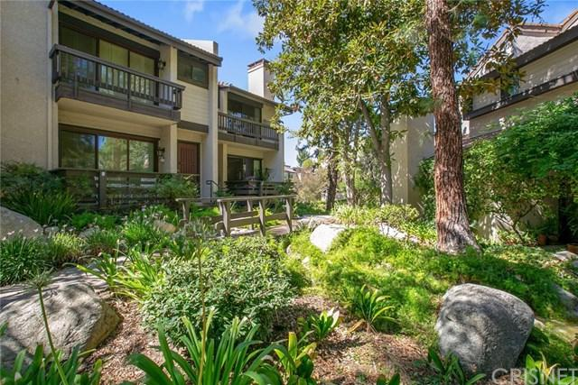 21801 Burbank Boulevard #68, Woodland Hills, CA 91367 (#SR18232497) :: California Realty Experts
