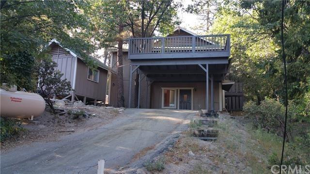53078 Mountain View Drive, Idyllwild, CA 92549 (#IV18234376) :: California Realty Experts