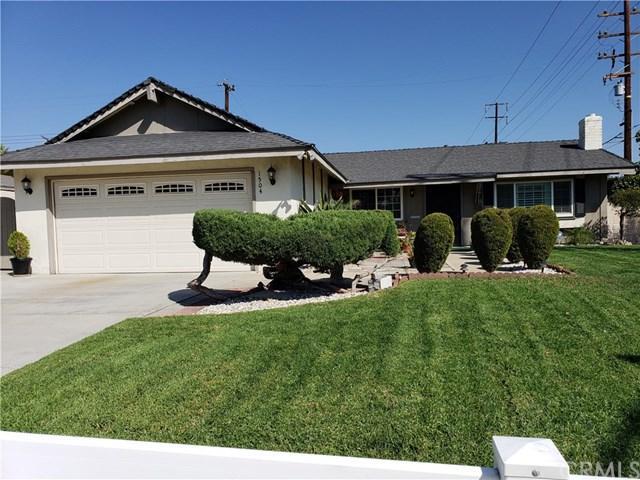 1504 N Baker Avenue, Ontario, CA 91764 (#CV18232616) :: Mainstreet Realtors®