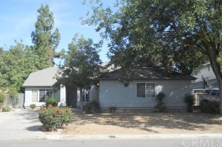 4674 W Sussex Way, Fresno, CA 93722 (#MD18239391) :: Millman Team