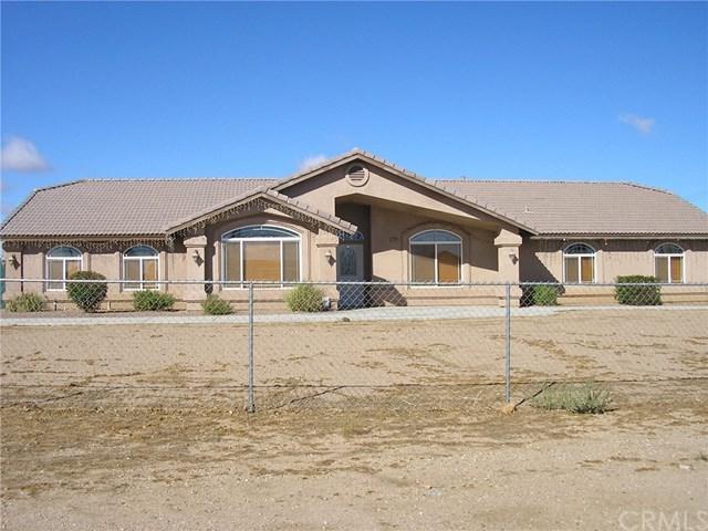8484 Escondido Avenue, Oak Hills, CA 92344 (#CV18241830) :: The Laffins Real Estate Team