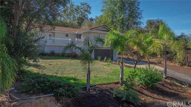 1805 Chapulin Lane, Fallbrook, CA 92028 (#SW18238435) :: The Laffins Real Estate Team