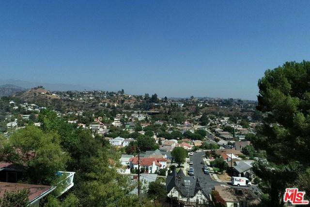 4454 Sunnycrest Drive, Los Angeles (City), CA 90065 (#18393594) :: The Laffins Real Estate Team