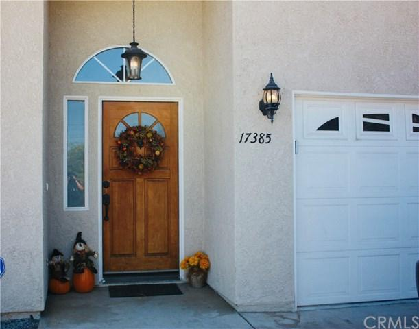 17385 Crawford Street, Lake Elsinore, CA 92530 (#OC18245167) :: The Laffins Real Estate Team