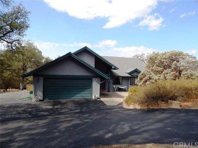 40874 Westview Lane, Oakhurst, CA 93644 (#FR18246889) :: Millman Team