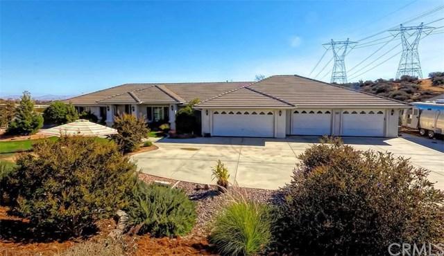 6851 Monterey Drive, Oak Hills, CA 92344 (#OC18247861) :: The Laffins Real Estate Team