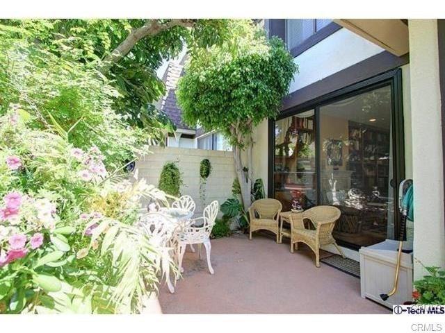 817 N Monterey Street #4, Alhambra, CA 91801 (#WS18247998) :: Mainstreet Realtors®