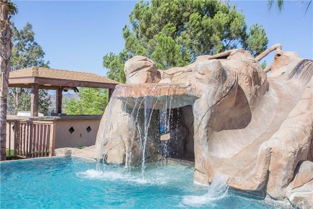 40215 Calle Breve, Temecula, CA 92592 (#SW18248533) :: The Laffins Real Estate Team