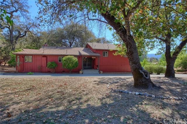 42896 Country Club Drive E, Oakhurst, CA 93644 (#FR18248634) :: Millman Team