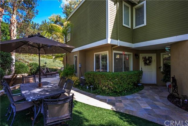 2 Meadowood, Aliso Viejo, CA 92656 (#OC18244968) :: Pam Spadafore & Associates