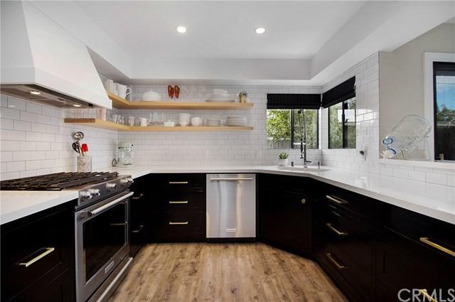 311 Santo Tomas Avenue #311, Costa Mesa, CA 92627 (#OC18248396) :: Mainstreet Realtors®