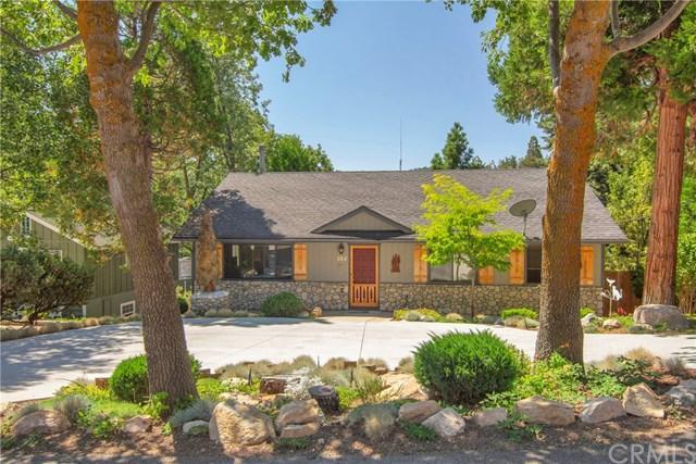 352 Cedarbrook Drive, Lake Arrowhead, CA 92391 (#EV18249152) :: The Laffins Real Estate Team