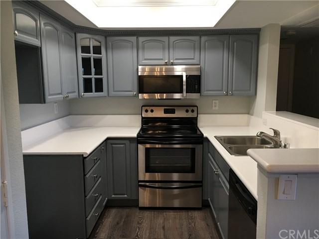 64 N Mar Vista Avenue #227, Pasadena, CA 91106 (#CV18249478) :: Mainstreet Realtors®