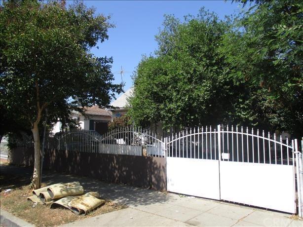 3205 Drew Street, Los Angeles (City), CA 90065 (#MC18247846) :: Millman Team