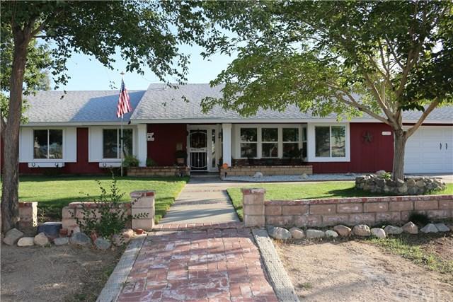 13609 Sierra Road, Victorville, CA 92392 (#TR18249998) :: Mainstreet Realtors®