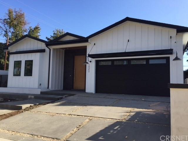 16642 Addison Street, Encino, CA 91436 (#SR18250871) :: Mainstreet Realtors®
