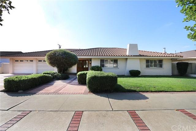 210 W 14th Street, Upland, CA 91786 (#CV18232189) :: The Laffins Real Estate Team