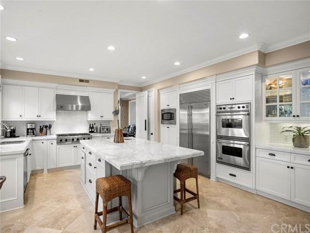 24 Colonial Drive, Newport Beach, CA 92660 (#NP18238477) :: DSCVR Properties - Keller Williams