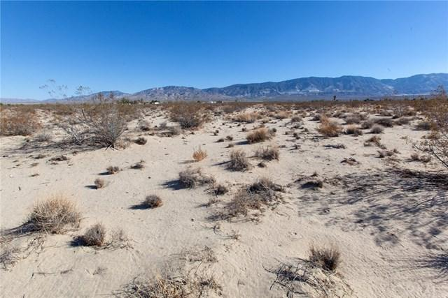 7 Harvest Moon Road, Lucerne Valley, CA 92356 (#TR18251370) :: Group 46:10 Central Coast