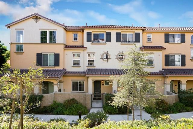 15645 Odyssey Drive #70, Granada Hills, CA 91344 (#SR18251623) :: Millman Team