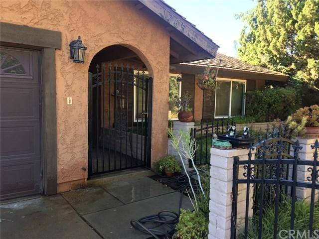 1765 Shamrock Avenue, Upland, CA 91784 (#IV18251802) :: The Laffins Real Estate Team