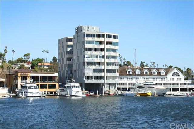 3121 W Coast Highway 6A, Newport Beach, CA 92663 (#NP18251655) :: DSCVR Properties - Keller Williams