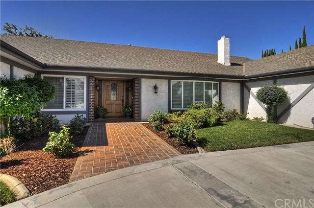1751 N Laurel Avenue, Upland, CA 91784 (#MB18251318) :: The Laffins Real Estate Team